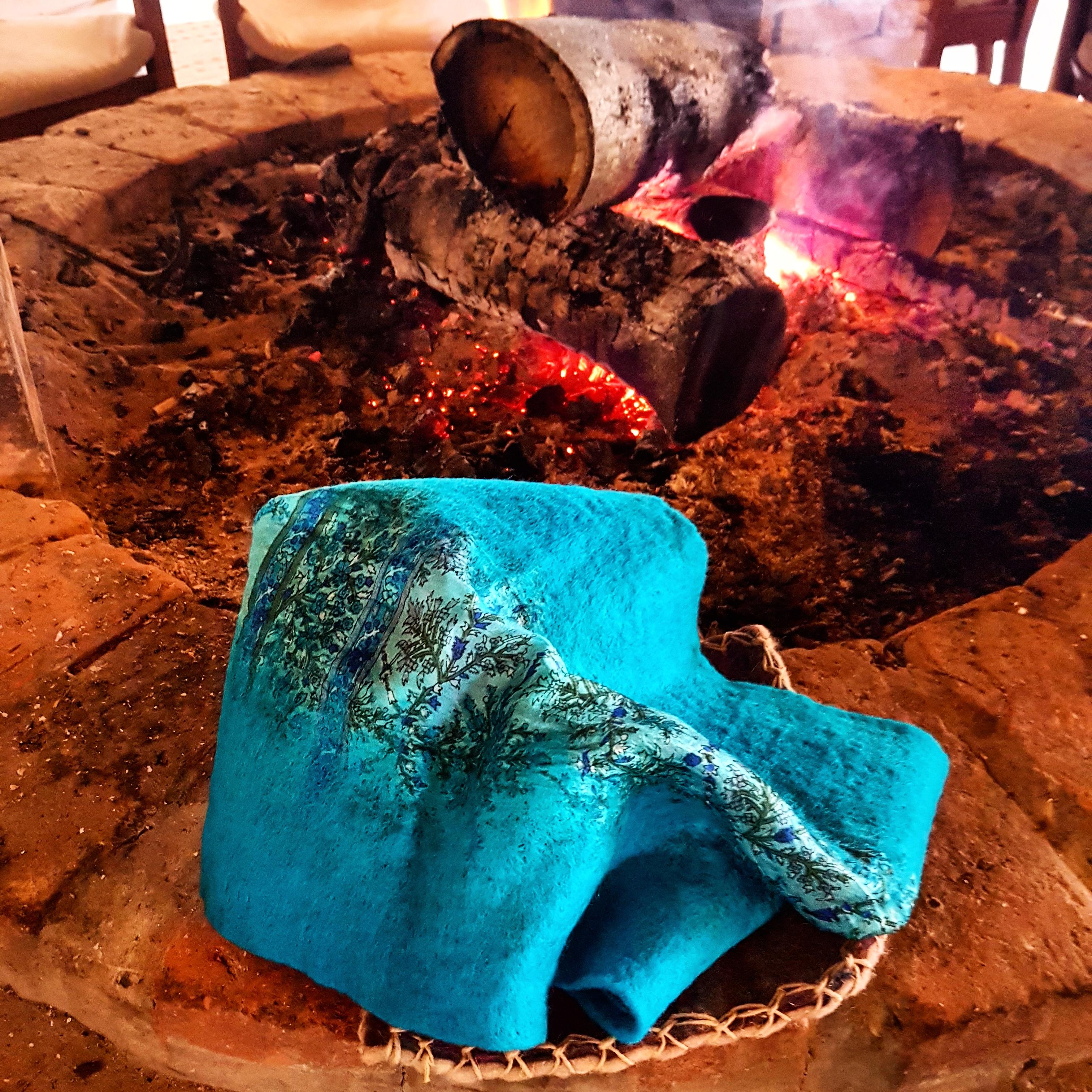 Keseli Keçe İşlemeli İpek Atkı, Fular
